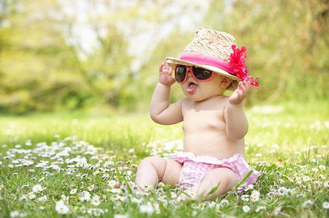 Children//infant Chicco Sunglasses 100/% UV Polarized Shiny Blue Matching Case 0M+
